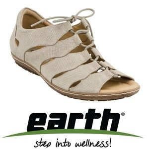 Earth Shoes Sz 7.5 Plover Lace Up Suede Sandals